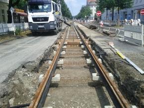 Am Dienstag begannen die Betonierungsarbeiten an der Freienwalder Straße