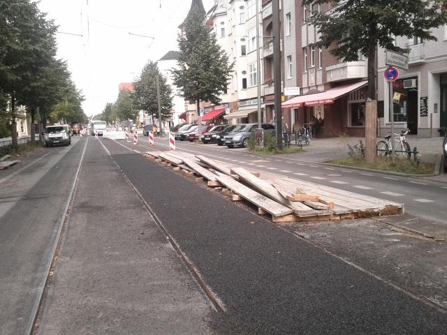 Provisorische Haltestelle außer Betrieb, die Absperrungen wurden ebenfalls am Montag abgebaut